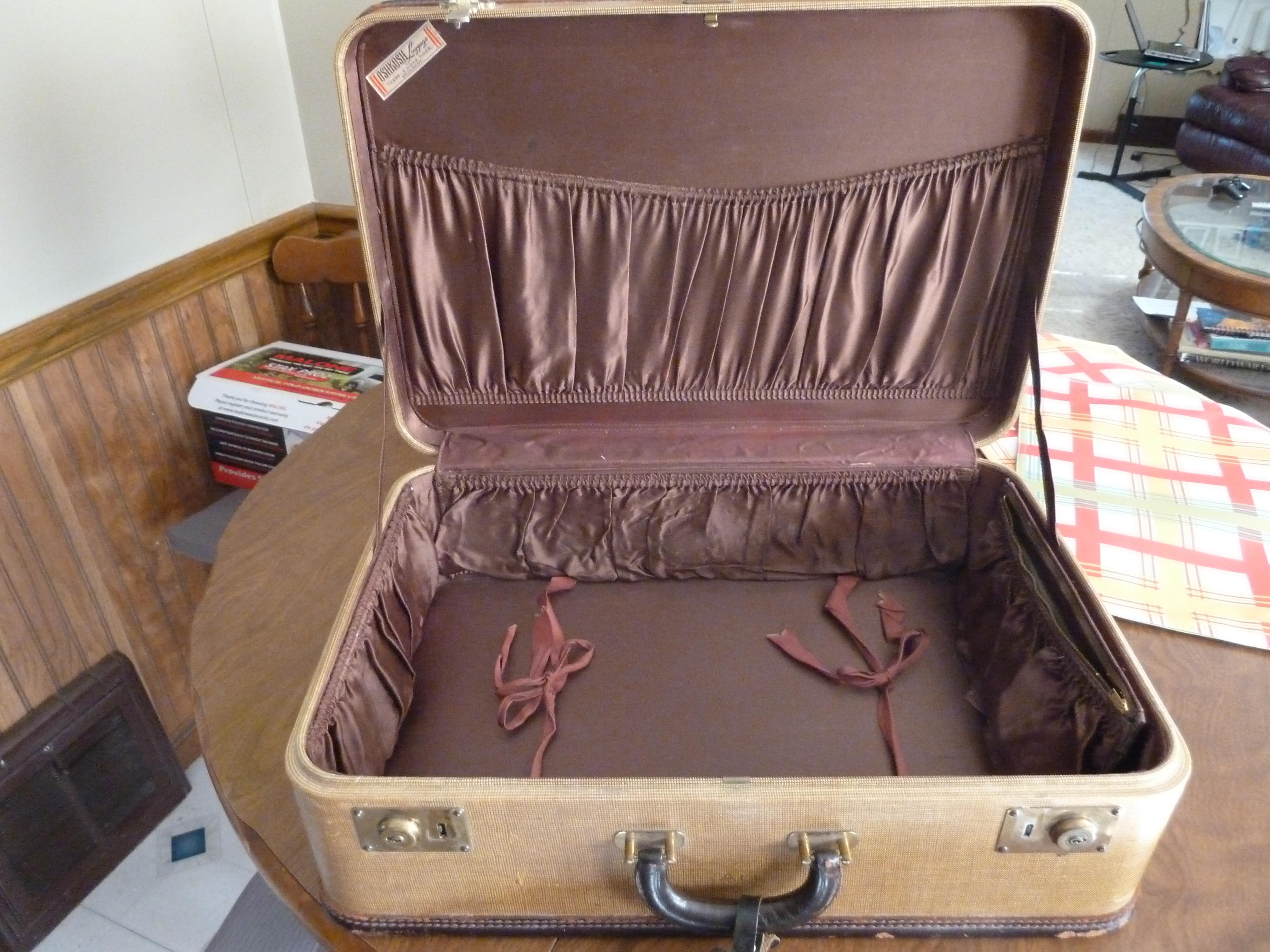 Oshkosh Luggage – Austin M. Frederick